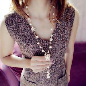 Pearl Flower Sweater Chain Long Pendant